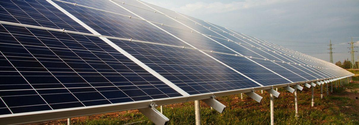 solar warehousing iowa